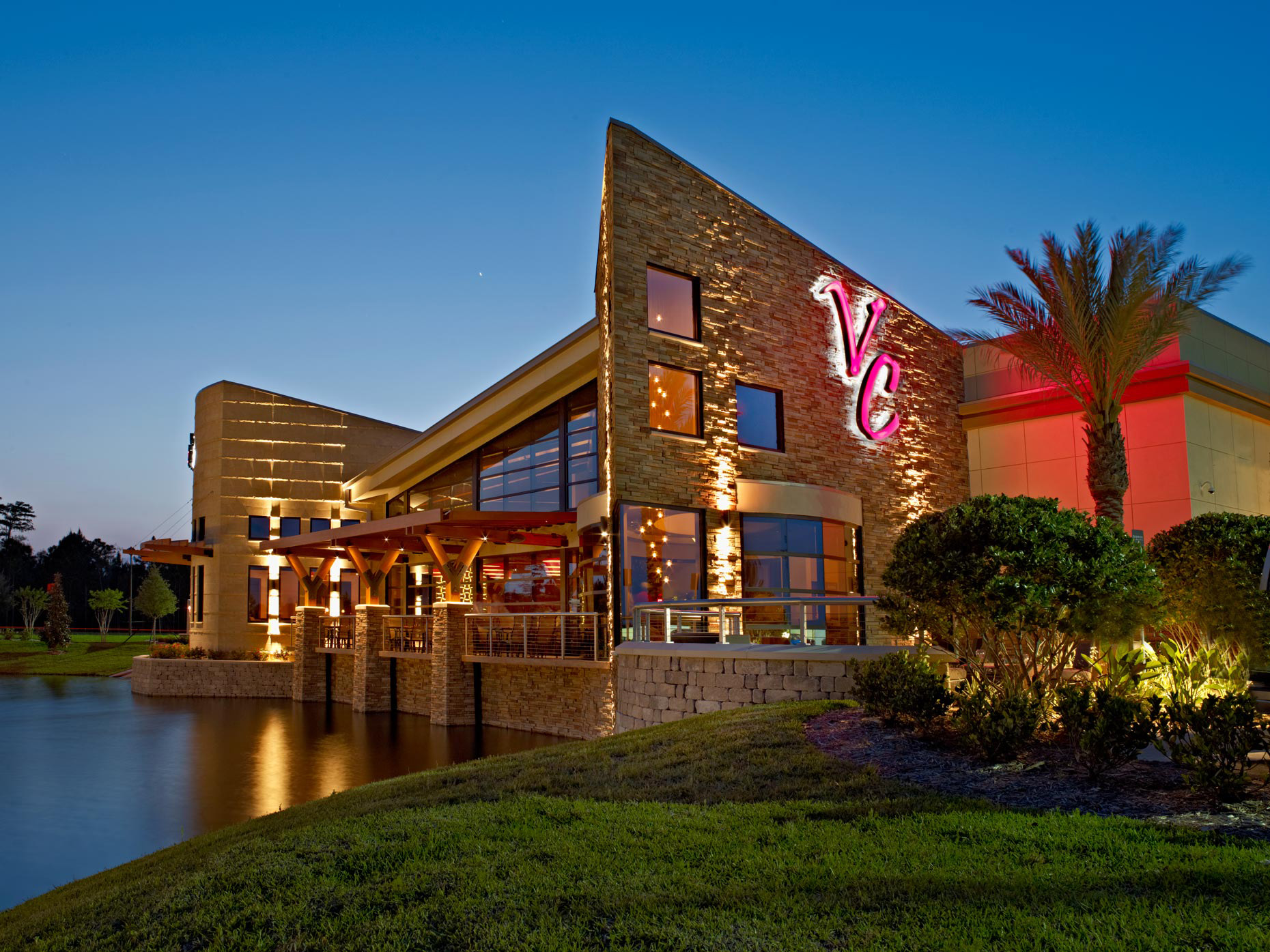 Restaurant Photography | Vince Carter Restaurant Exterior