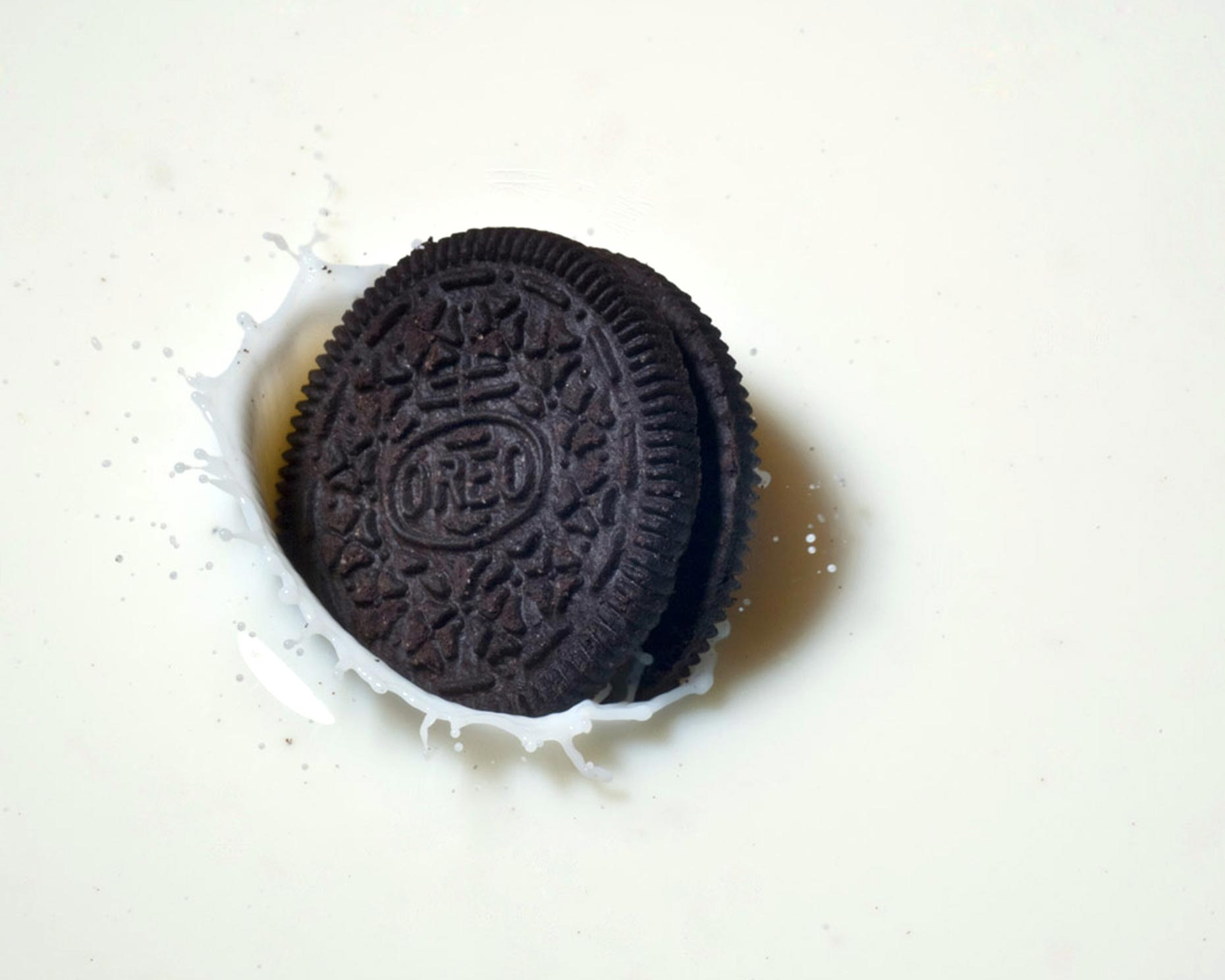 Dessert Photography | Oreo Cookie Splashing  in Milk