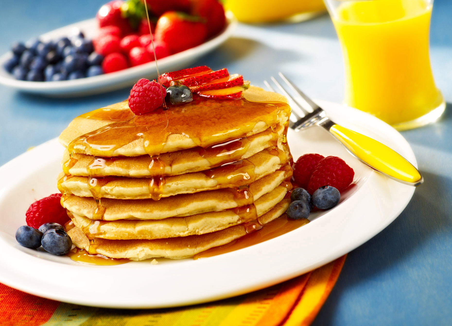 Food & Beverage Photographer | Pancakes with berries & Orange Juice