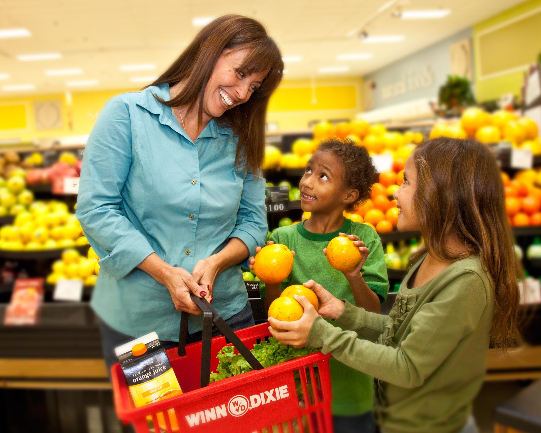 Lifestyle Photography | Mom & Kids Shopping at Grocery Store